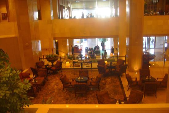Sheraton Amman Al Nabil Hotel: amman sheraton foyer