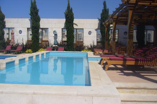 Sheraton Amman Al Nabil Hotel: amman sheraton swimming pool