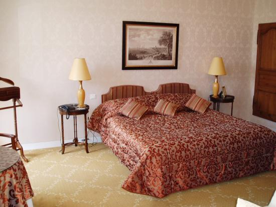 Hotel Le Manoir les Minimes : Deluxe room no. 11