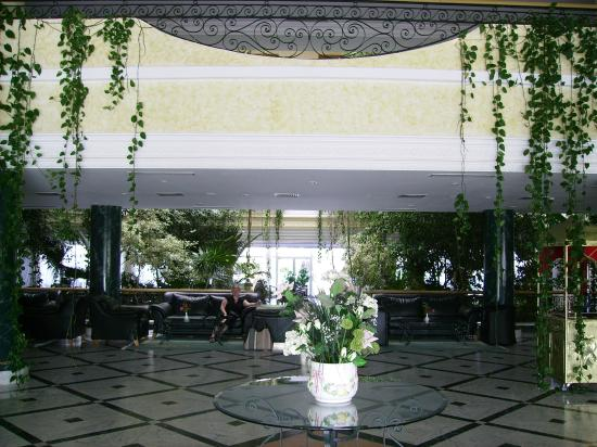 Majesty Golf Hotel: Hall d'entrée de l'hotel