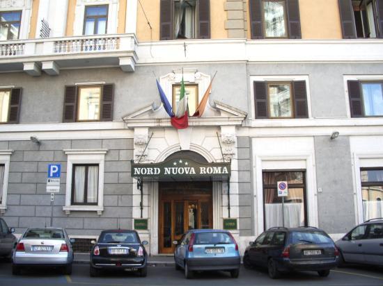 Hotel Nord Nuova Roma: Hotel Entrance