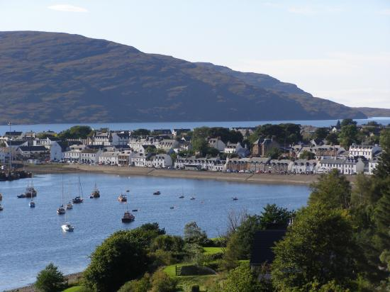 Royal Hotel: Ullapool- late afternoon- so picturesque