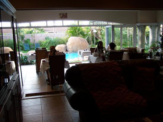 uShaka Manor Guest House: slightly better pic