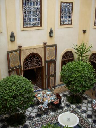 Riyad Al Moussika: Courtyard for breakfast / drinks