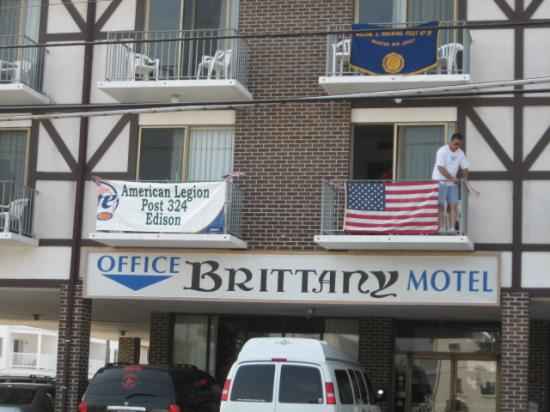 Brittany Motel: outside view