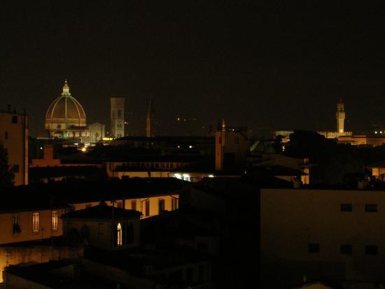 AC Hotel Firenze: vista desde el ático de noche