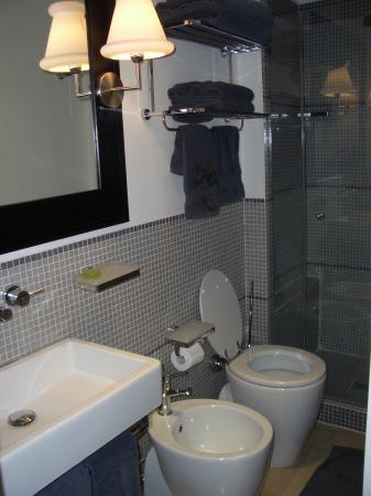 Residenza A: Bathroom