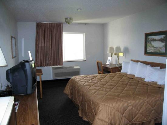 Quality Inn & Suites: Room 219