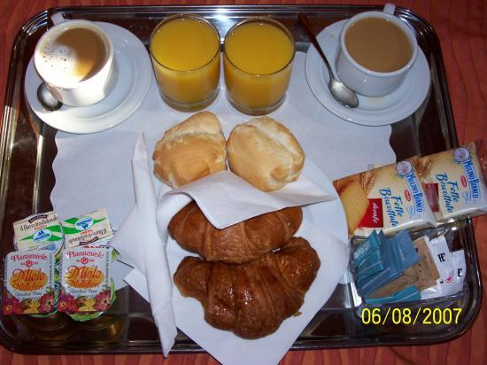 Bed & Breakfast Diamante e Smeraldo: Breakfast Tray