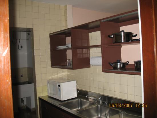 Las Vegas Hotel Suites: Kitchen unit 406