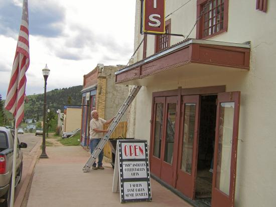 Isis Theatre: ISIS THEATER ENTRANCE