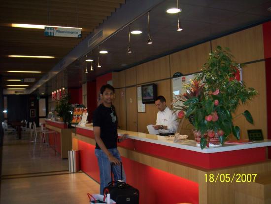 Ibis Roma Fiera : The Reception - Hotel Ibis