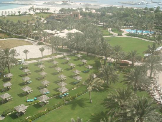 Le Royal Meridien Beach Resort & Spa: View of gardens from 6th floor