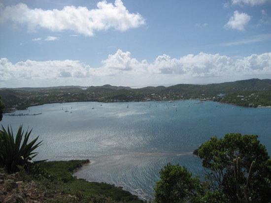 Antigua: Falmouth Bay