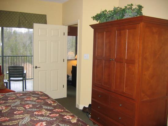 Bluegreen Vacations Mountain Loft Resort, Ascend Resort Collection: Master Bedroom