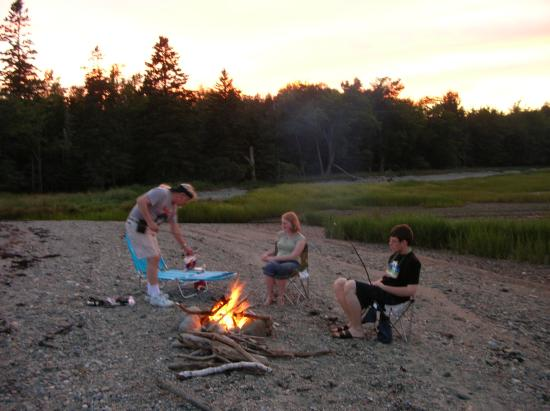 Islesboro, ME : Evening weiner roast