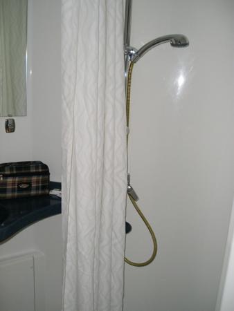 Stylotel: Ducha en el cuarto de baño