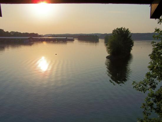 Lake Barkley Lodge: Actual View from the Balcony