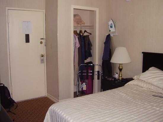 Radio City Apartments: Storage