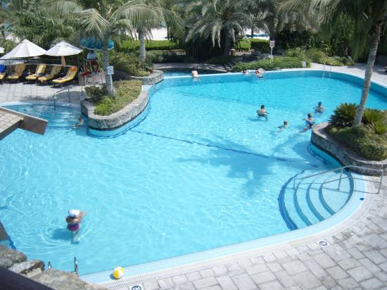 JA Palm Tree Court: Pool