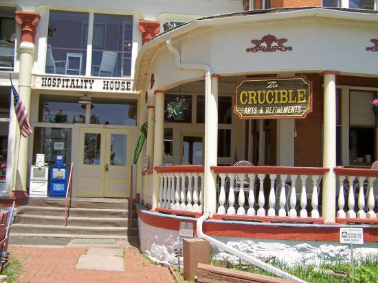 Cripple Creek Hospitality House & Travel Park: Front Entrance