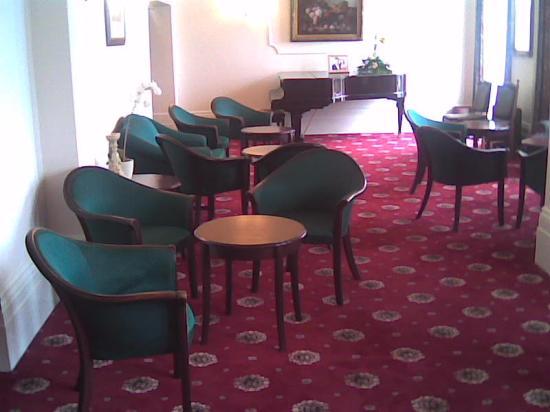 Oban: Lounge Area