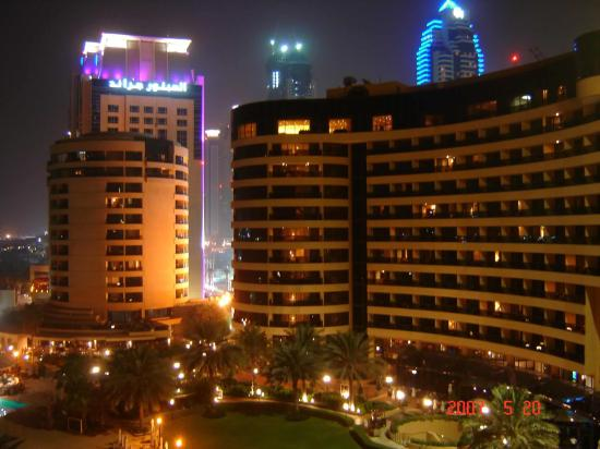 Le Royal Meridien Beach Resort & Spa: View at Night