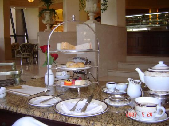 Le Royal Meridien Beach Resort & Spa: Afternoon Tea in RM