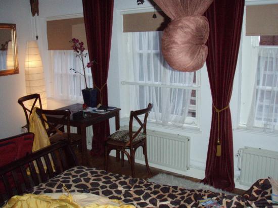 B&B Barangay: Master's Upper Room; cozy!