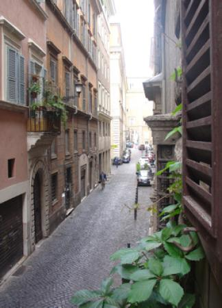 Baldassini B&B: View of the street from our window