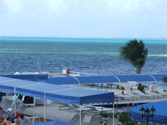 Aquamarina Beach Hotel: From the Room 3