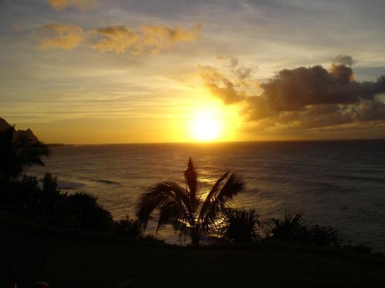 Marc at Princeville Pali Ke Kua : Sunset from Lanai