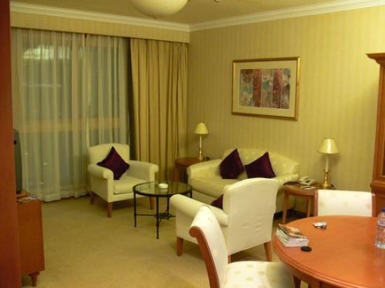 Lee Garden Service Apartment Beijing: one bedroom living room