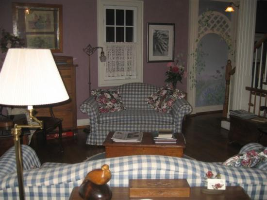 Parliament Cottage B&B circa 1840: Sitting room