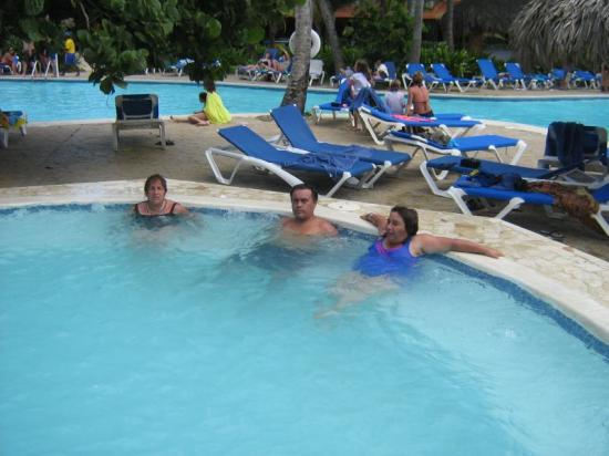 Tropical Princess Beach Resort & Spa: disfrutando,  con los amigos - cstchileno