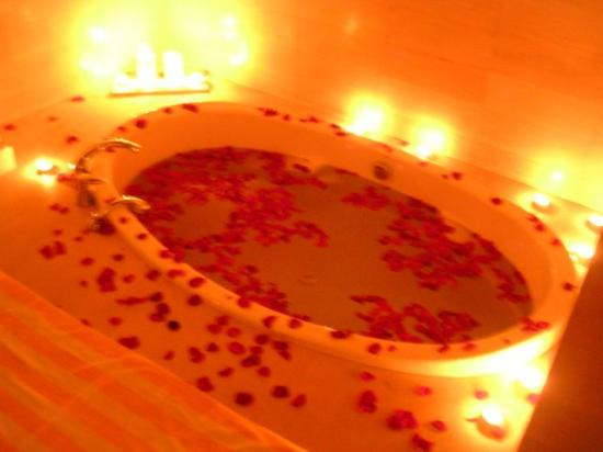 romantic-bath-with-rose.jpg