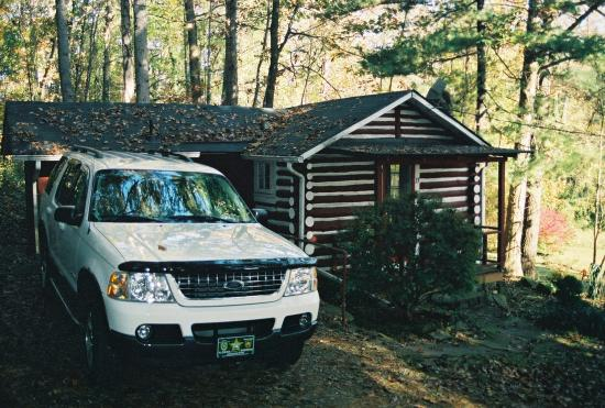 The Pines Cottages: Cabin 13