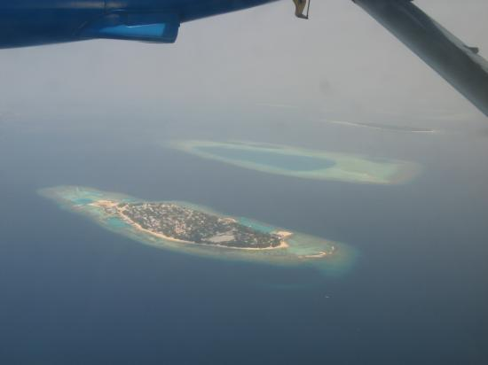 Mirihi Island Resort: View from the Seaplane