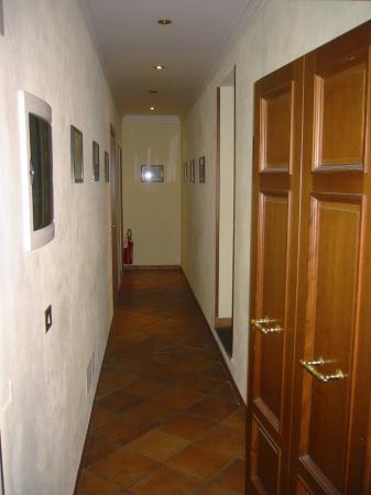 Hotel Trastevere: Hall