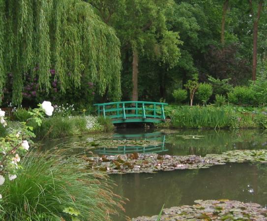 Le Clos Fleuri : Monet's Gardens were picture perfect!