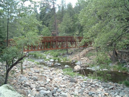 Forest Houses Resort: The new Walking Bridge