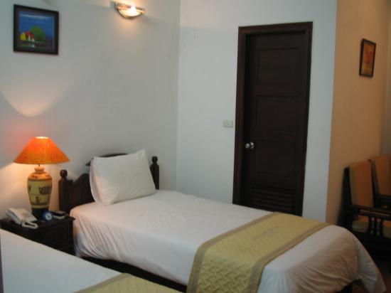 Royal 2 Hotel: Comfy beds!!!