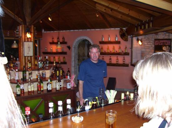 Silver Beach Hotel : Manolis in the tequila bar