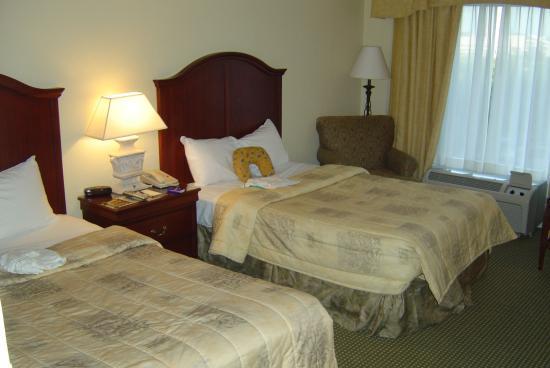 Rosen Inn Plaza Hotel