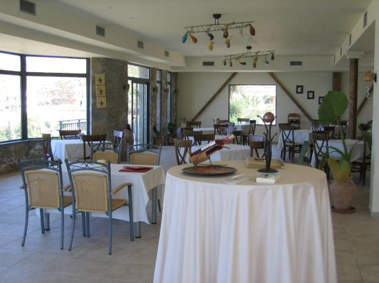 Happy Cretan Suites: Beautiful restaurant