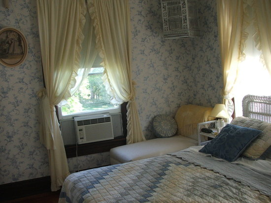 Old Pineapple Inn: Isabelle Gleason room
