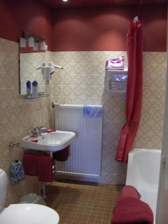 Hotel Atlanta: Bathroom