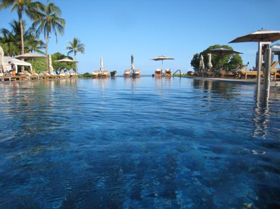 Four Seasons Resort Hualalai: Beautiful full-service