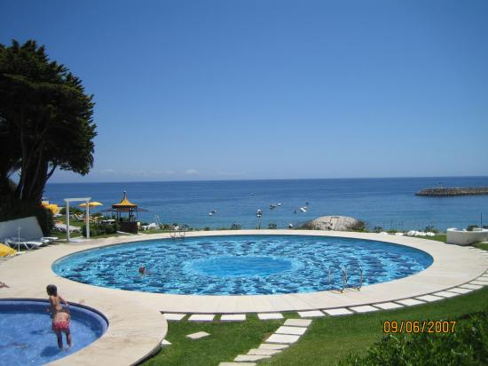 Hotel do Mar : Nice pool, built in the 1960, what a view!