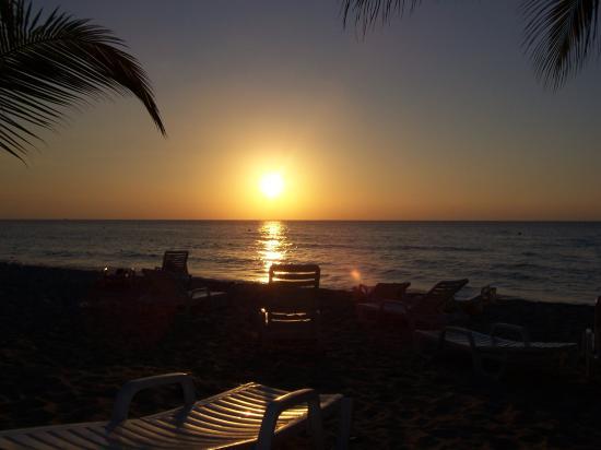 Merrils Beach Resort II: Sonnenuntergang von Heiko & Hansi